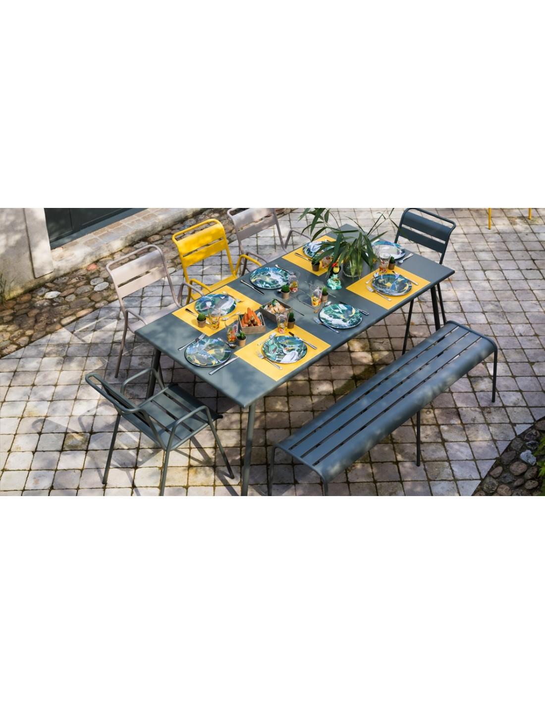 fauteuil de jardin bridge monceau empilable m tal fermob. Black Bedroom Furniture Sets. Home Design Ideas