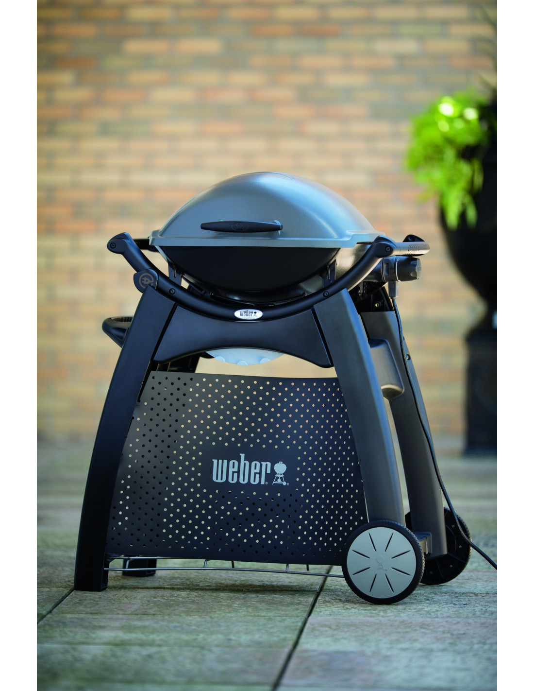 chariot deluxe 6526 pour barbecue weber gaz q series 2000. Black Bedroom Furniture Sets. Home Design Ideas